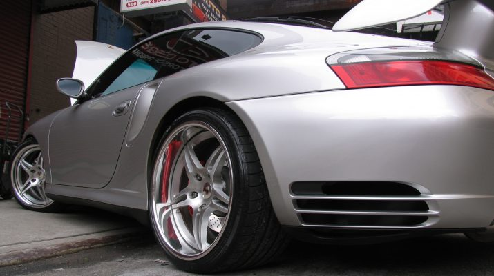 The 6 Important Reasons to Avail Services on Car Glass Tinting